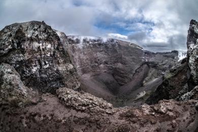 il cratere del Vesuvio
