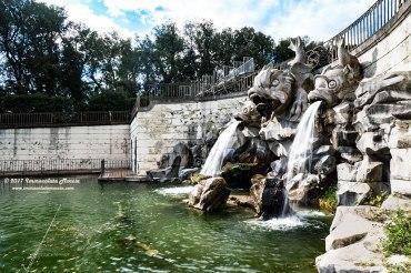 Fontana dei tre delfini