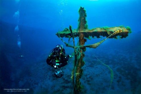 Il crocifisso del subacqueo con Giuseppe Andreano