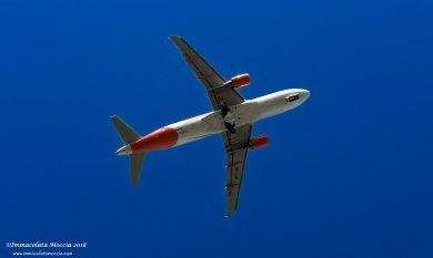 Il volo in decollo EasyJet